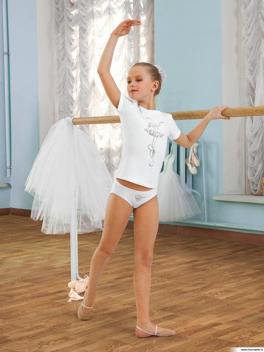 Танцующий мальчик в трусиках 20 фотография