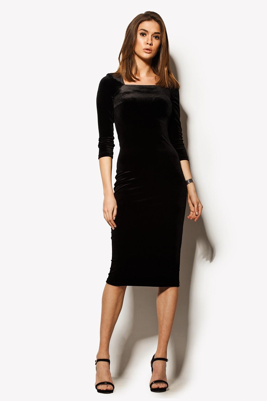 Красные аксессуары и маленькое черное платье