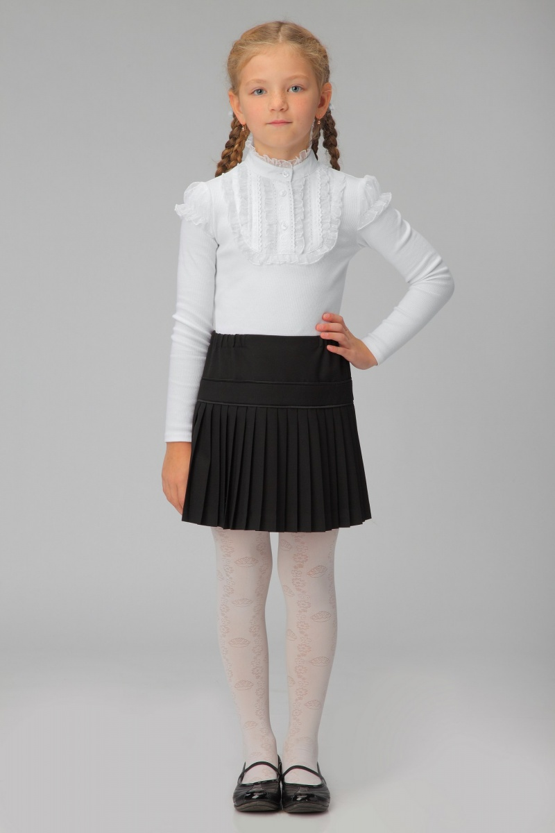 Фото подняла форменную юбку 11 фотография