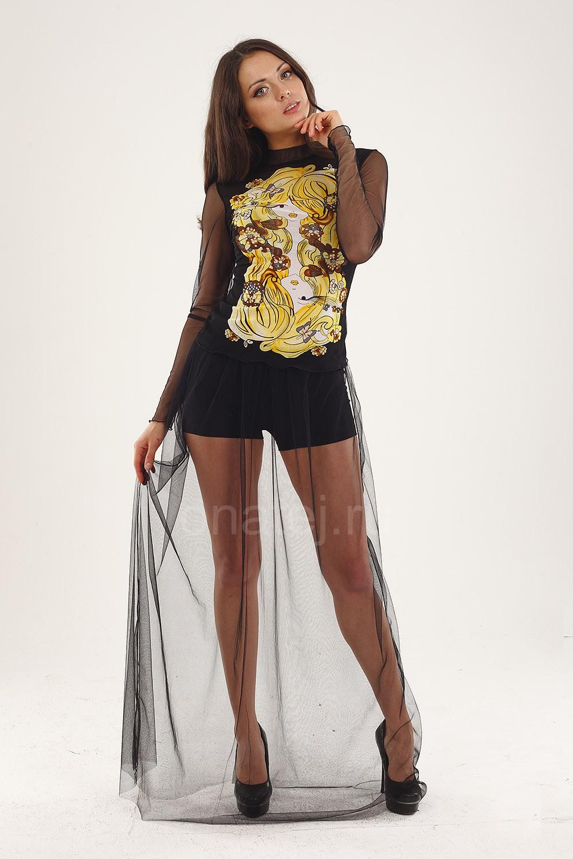 У девушки прозрачные шорты 4 фотография