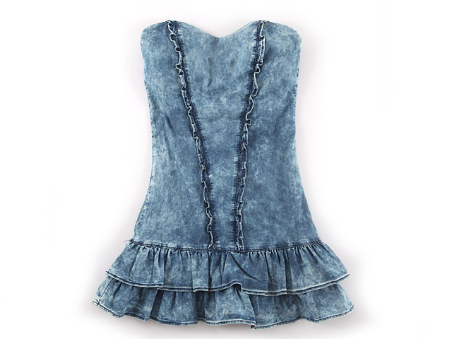 Описание: Легкий джинсовый сарафан ,декорированный воланами.