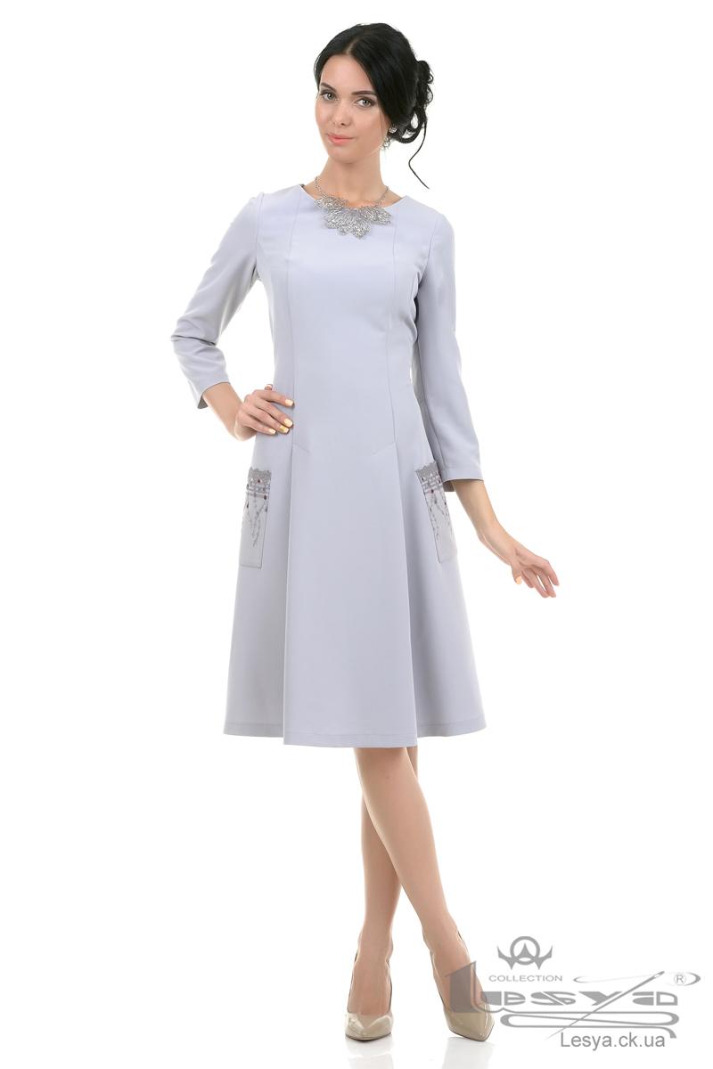 Застежка на рельефном платье